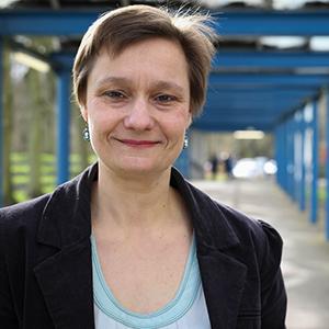 Dr. Erika Vlieghe